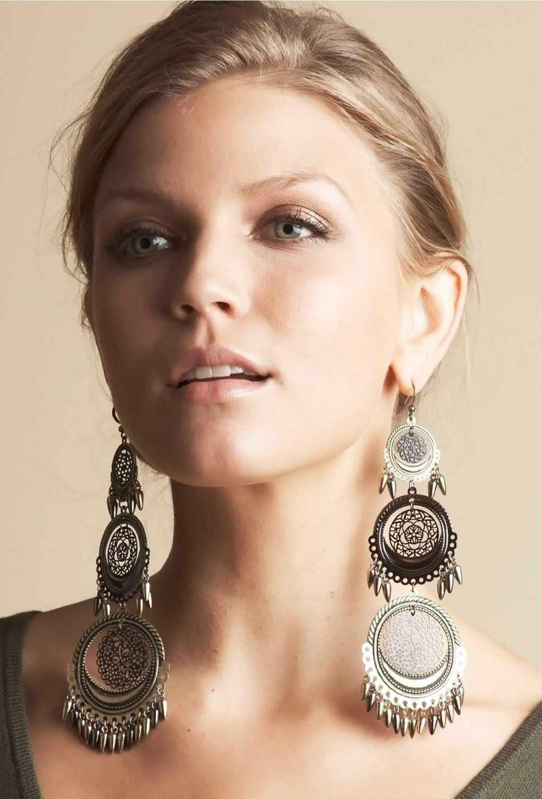 don't wear heavy earrings